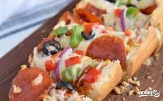 Пицца на батоне в духовке - фото шаг 5