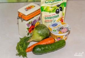 Салат с зеленой редькой и морковью - фото шаг 1