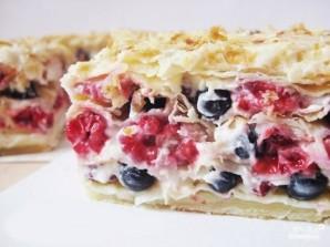 Слоеный торт с ягодами - фото шаг 4