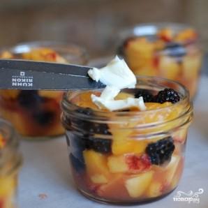 Десерт из персиков и ежевики - фото шаг 9