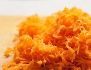 Омлет с сырой морковью   - фото шаг 1