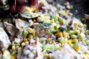 Куриный салат с сыром фета и кукурузой - фото шаг 5