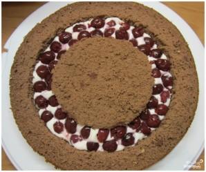 Бисквитный торт с вишней - фото шаг 8