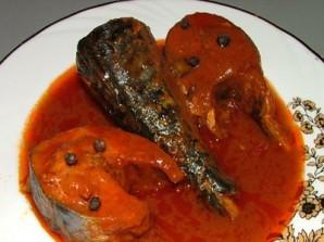 Жареная рыба в томатном соусе - фото шаг 6