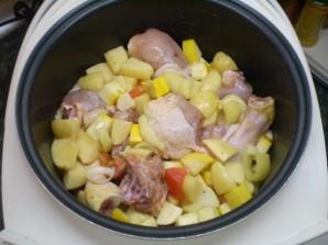 Курица с картошкой и овощами в мультиварке - фото шаг 5