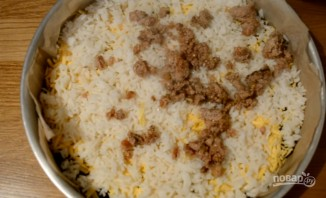 Пирог-перевертыш с мясом и грибами - фото шаг 7