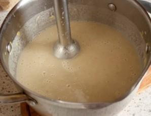 Суп пюре из шампиньонов в хлебе - фото шаг 4