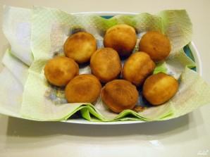 Пышки на кефире, жаренные на сковороде - фото шаг 8