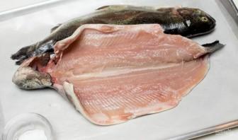 Рыба с лимоном в духовке - фото шаг 1