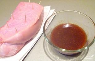 Пастрома из куриной грудки в мультиварке - фото шаг 1