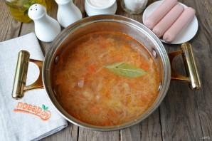 Суп с квашеной капустой и сосисками - фото шаг 5