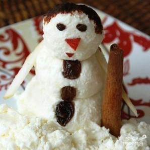 Снеговик из творога - фото шаг 10