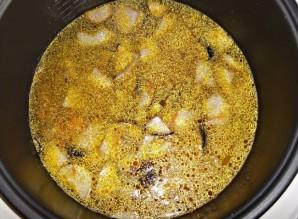 Суп из свежих белых грибов в мультиварке - фото шаг 8