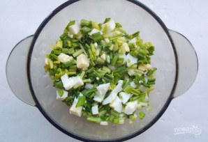 Салат с черемшой и яйцом - фото шаг 4