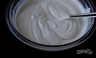 Крем из сметаны и сахара - фото шаг 1