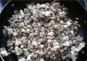 Перец, фаршированный грибами и сыром - фото шаг 1