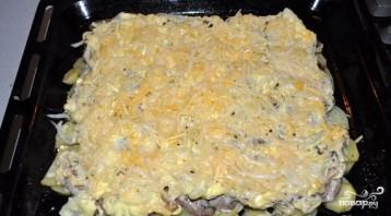 Картошка с шампиньонами и сыром в духовке - фото шаг 4