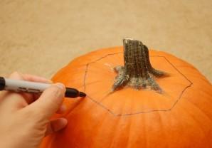 Тыква на Хэллоуин - фото шаг 1