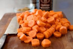 Молодая морковь, жаренная в карамели - фото шаг 2