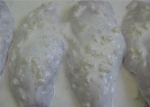 Грудка под сметанным соусом - фото шаг 1