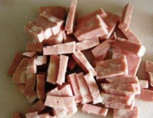 Омлет с лисичками и колбасой - фото шаг 1