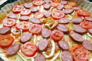 Пицца с копчёной колбаской - фото шаг 6
