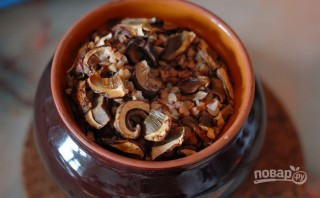Гречка с сушеными грибами - фото шаг 2