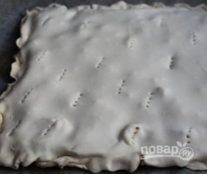 Слоеный пирог с брынзой - фото шаг 6