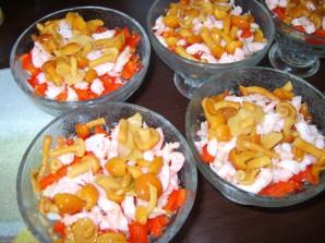 Салат с ветчиной и креветками - фото шаг 5
