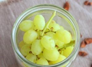 Виноград в сиропе - фото шаг 2