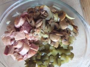 Салат с грибами и куриной грудкой - фото шаг 5