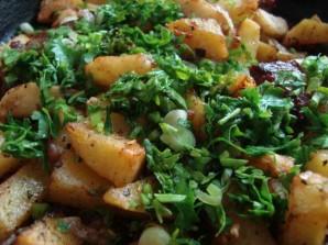 Картошка по-деревенски в духовке с мясом - фото шаг 5
