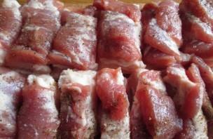 Мясо с апельсинами в духовке - фото шаг 2