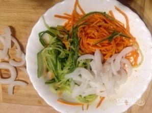Салат с кальмарами и корейской морковью - фото шаг 6