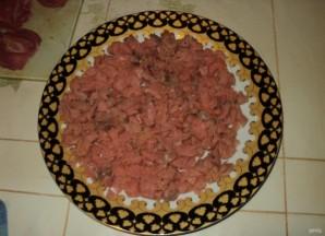Салат с консервированной рыбой и сыром - фото шаг 1