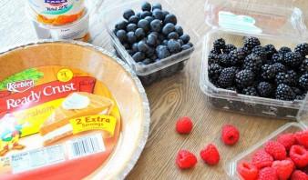 Быстрый пирог с ягодами - фото шаг 1