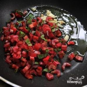 Кус-кус с мангольдом, изюмом и сыром Фета - фото шаг 4