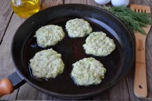 Кабачковые оладьи с сыром и зеленью - фото шаг 7