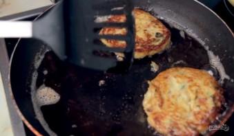 Идеальные картофельные котлеты - фото шаг 3