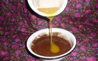 Шарлотка с какао и яблоками  - фото шаг 3