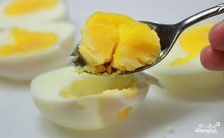 Яйца, фаршированные горчицей - фото шаг 4