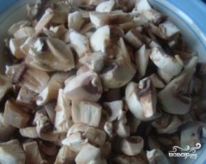 Индейка, тушенная с грибами - фото шаг 4