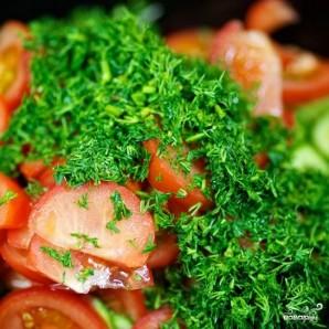 Салат из огурцов и помидоров - фото шаг 5