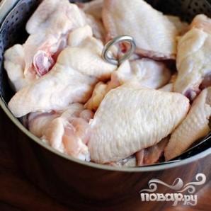 Крылышки с цедрой и соусом из кинзы - фото шаг 1