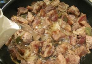 Вкусное мясо кусочками на сковороде - фото шаг 6
