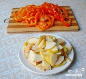 Курица, запеченная с сыром и овощами - фото шаг 2