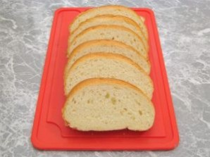 Горячие бутерброды со шпротами - фото шаг 2