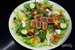 Салат со свежим тунцом - фото шаг 8