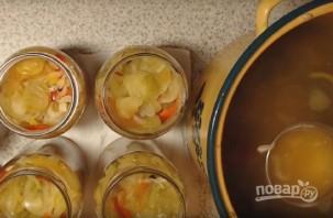 Салат из помидор и огурцов на зиму - фото шаг 7