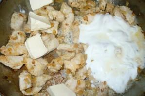 Курица в соусе на сковороде - фото шаг 4